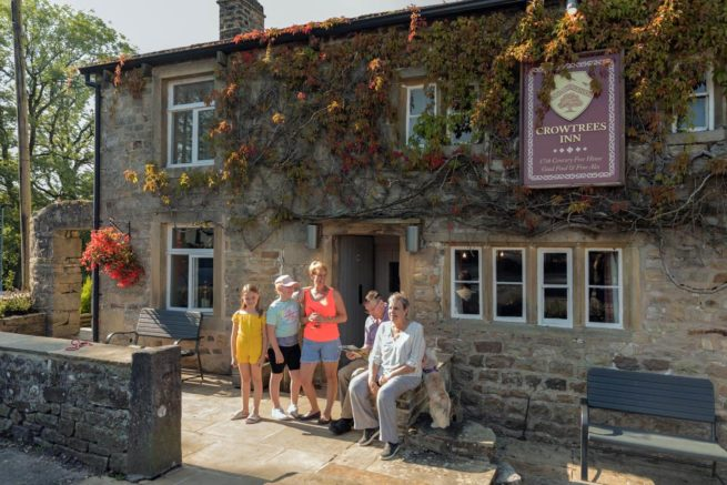 Bowland-Fell-Holiday-Park-Yorkshire-Dales-Facilities-Family-Crowtrees-Inn