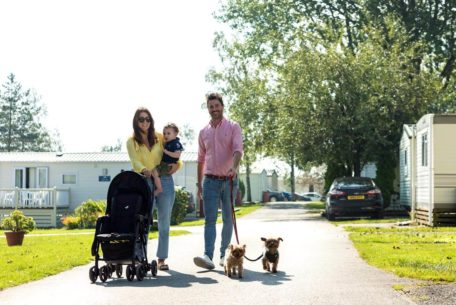 Bowland-Fell-Holiday-Park-Yorkshire-Dales-Family-Couple-Pet-Dogs